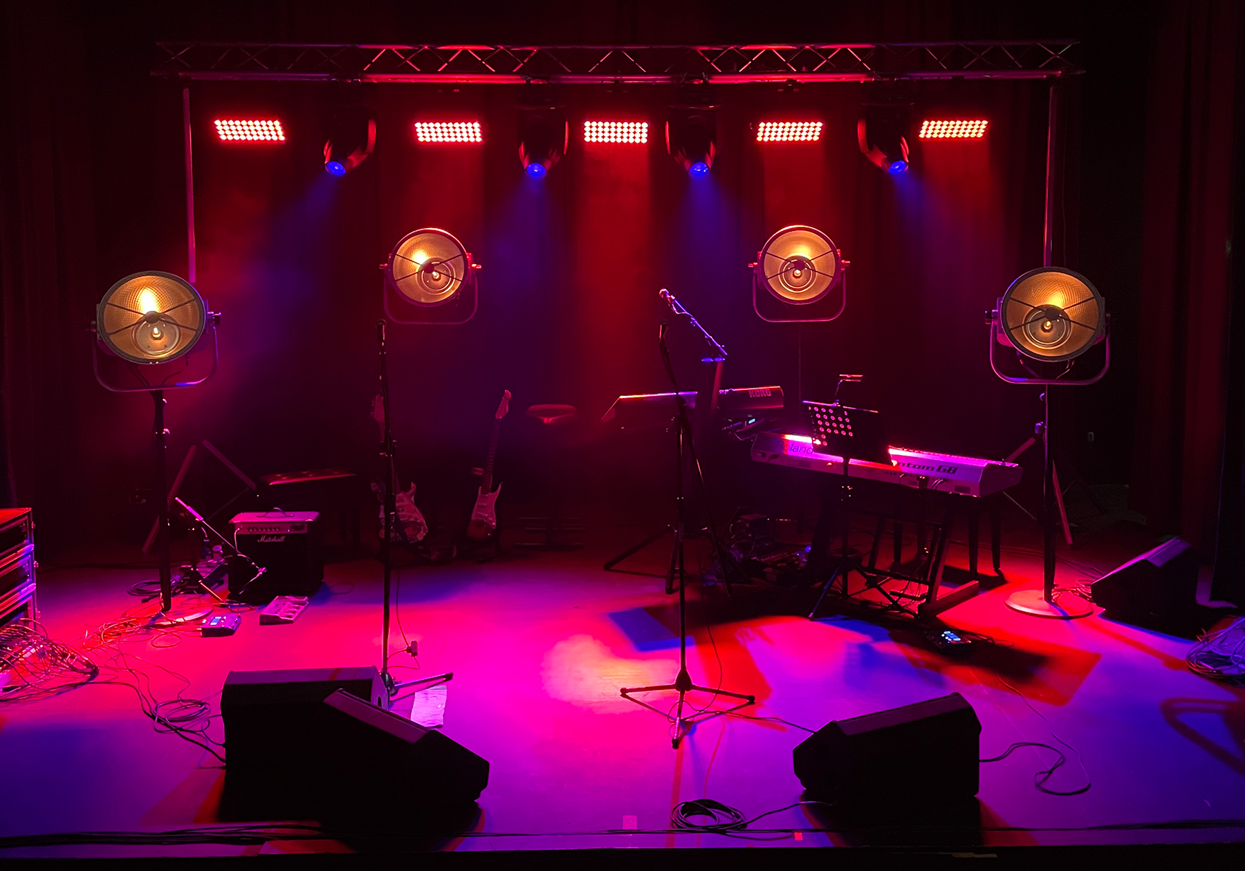 Hire live event production, sound, lighting, AV equipment, PA systems in South West Wales, Cardiff, Swansea, Newport, Carmarthenshire & Pembrokeshire